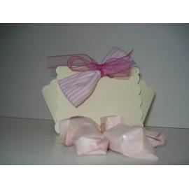 Caixa de cartao decorada com rebuçados