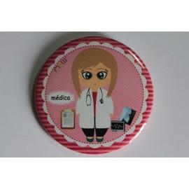 Crachá/Pin Personalizado - Médica