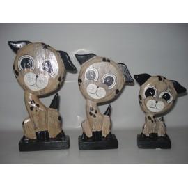 Conjunto de cães em madeira artesanal