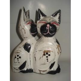 Gatos em madeira artesanal